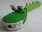 Крокодил из деревянной ложки