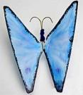 Бабочка из проволочных вешалок